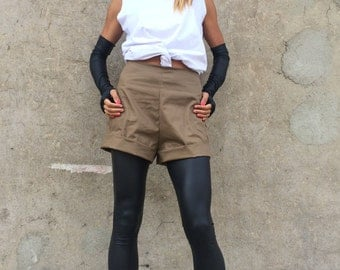 Plus Size Brown High Waist Shorts, Loose Casual Pants, High Waist Cotton Shorts, Extravagant Pants by SSDfashion
