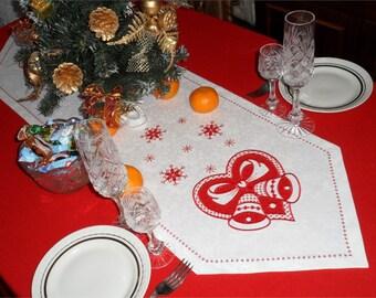 machine embroidery Christmas doily