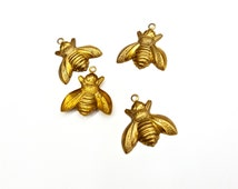 10 Pieces Raw Brass Bee Charms, Detailed and Textured, Vintage, 17x17mm