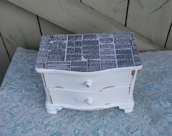 Decoupaged Shabby Chic Jewelry Box in Snow White