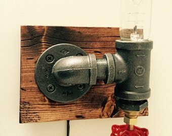 Industrial/ Modern/ Rustic Wall Light Fixture/ Wood Wall Sconce/ Edison bulb