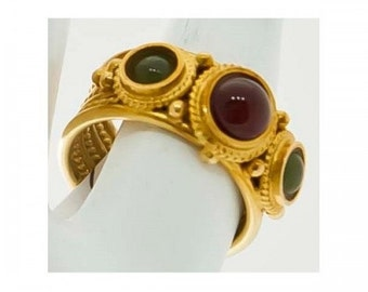 Ring old Mineralife in yellow gold set with jade and carnelian cabochons