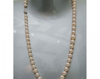 Long necklace Mineralife fall of Japanese Pearl of high quality