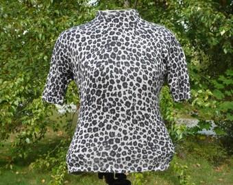 Silk t shirt, in leopard spots, size petite, all silk by AUGUST SILK