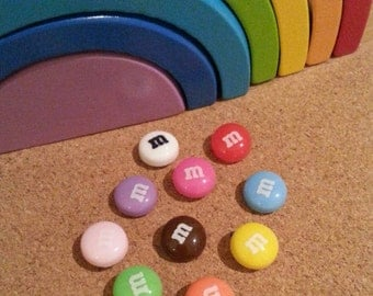 Mmmmm! Set of 10 Multi-coloured Decorative Chocolate Candy Coated Resin Push Pins/Thumb Tacks/Drawing Pins for Notice/Message Board/Wall