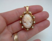 Florenza Cameo, Vintage Cameo, Cameo Necklace, Carved Shell Cameo Pendant, Cameo Pearl, Carved Cameo