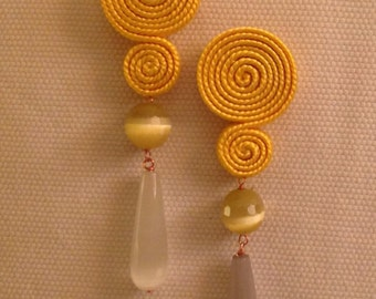 These earring small light yellow