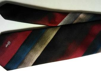 259.  Allyn St.George necktie