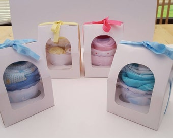 Baby Clothes Cupcake beautifully presented using body vest and washcloth. Perfect for Baby Showers, Gift for New Baby