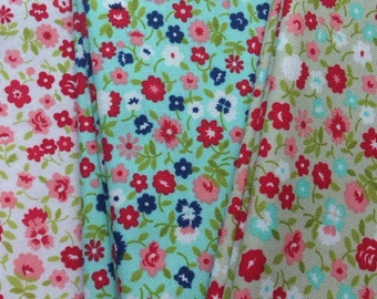 "Bonnie & Camille ""Vintage Picnic"" Wildflowers 1/2 yard"