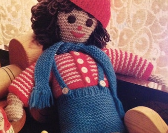 Robbie Red Hat Easy Knit Doll Knitting Pattern