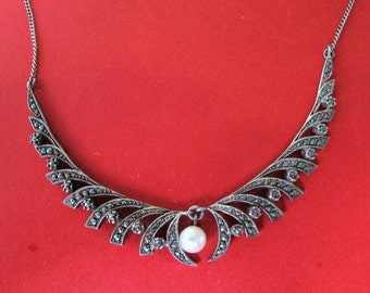 Beautiful 1940's Solid Silver Marcasite Cultured Pearl necklace