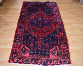 Vintage Persian Hamdani rug Approx 40 years old