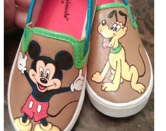Mickey. Pluto. Disney. Painted shoes. custom