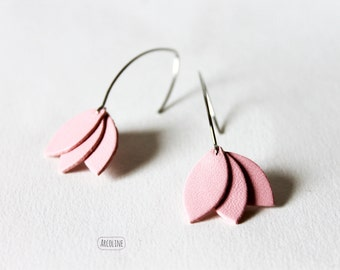 Rose petals leather earrings