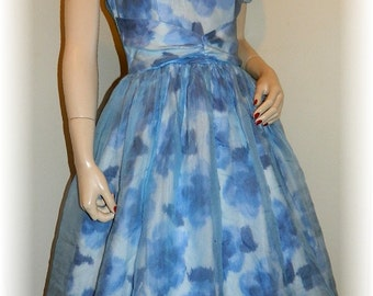 Pretty Vintage 50's Sheer Floral swing dress