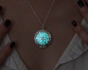 Glow in the Dark Necklace - Aqua Blue Circle - Glowing Necklace - Glow in the Dark Jewelry - Glow Pendant - Gift for Her - Handmade Necklace