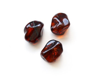 Cherry Baltic amber beads with drilled holes, cherry color, natural amber, 3 Pieces for jewelry making, 8,4 gr, 0276