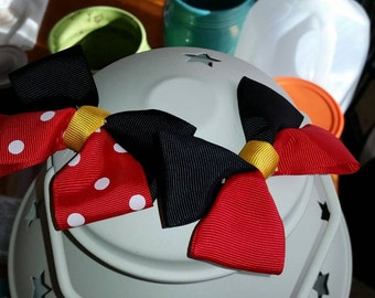Minnie Mouse and Mickey Mouse bows, disney, Minnie Bow, Mickey Bow, Birthday Party Favor, Disney World gift