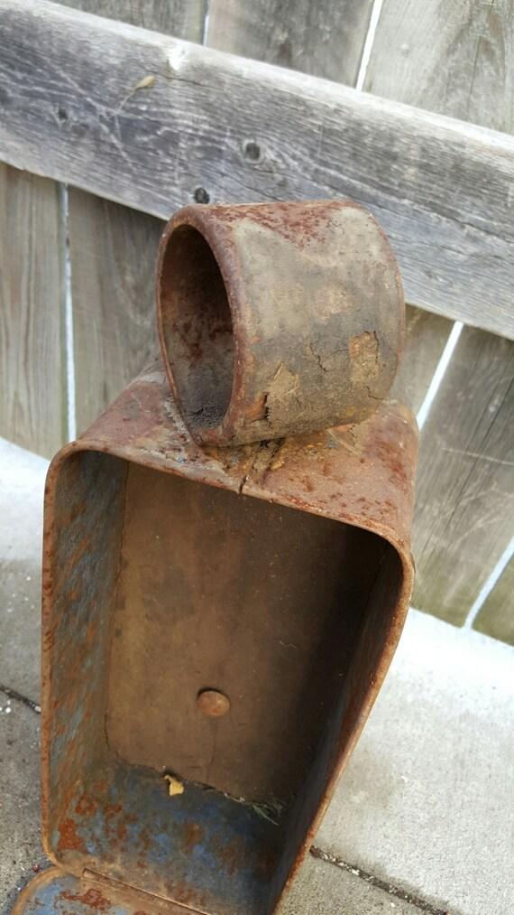 Vintage rusty international harvester tool box decor for International harvester decor