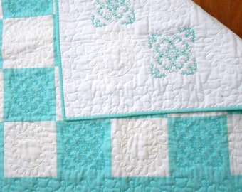 Blue Baby Quilt, Baby Boy Quilt, Blue and white Teddy Bear Embroidered Baby Quilt, Bear Quilt Blue White, Baby blanket