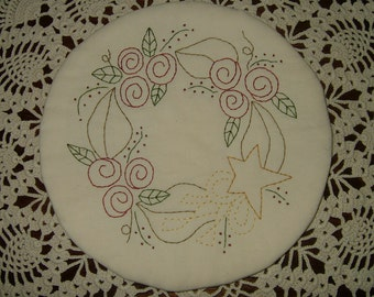 Primitive Embroidered Candle Mat~Rose Wreath~Last One!