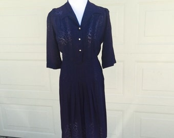 SALE- FREE SHIPPING! Wonderful Navy 1940's Dress size Large (32 inch waist)