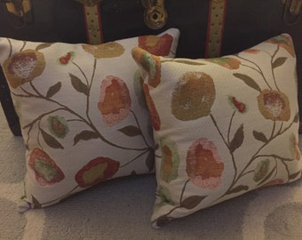 Classic Floral Pillows - Set of 2