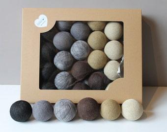 Cotton Balls Earth 20 items