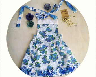 Cute vintage inspired apron dress