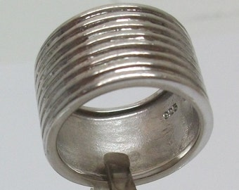 925 Silver ring with grooves 18.2 SR203