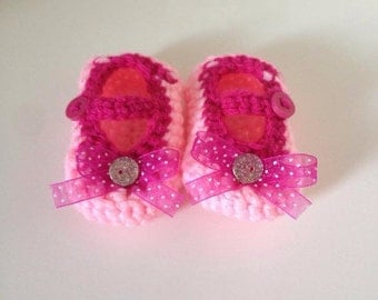 Crochet Baby Girl Shoes, Mary Janes, Infant Shoes, Baby Girl Shoes, Baby Shower Gift, Newborn, Picture Outfit, Pink Shoes, baby girl booties