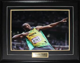 Usain Bolt Olympic Runner Pose Jamaica 16x20 frame