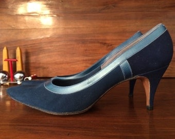 Beautiful 1950s Blue Suede Spike Heel Pumps Shoes Size 6.5-7