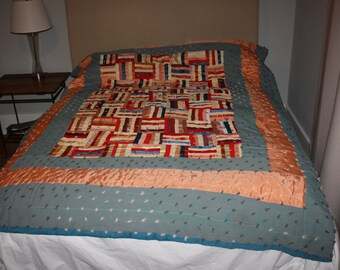 "VINTAGE HANDMADE QUILT 1940s 100% Cotton Applique Hand Stitched Quilt Embroidered 66"" x 85"""