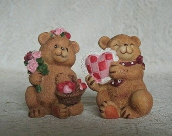 Sweetheart Bear Figurines, vintage collectable home decor cottage chic decoration animal retro victorian valentines