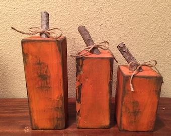 Skinny wood pumpkins- short