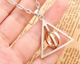 Triangle Necklace, Everyday Jewelry, Rotable Necklace, Silver Necklace, Minimalist Jewelry, Pendant Jewelry