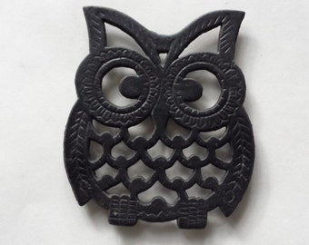 FREE SHIPPING, Cast Iron Owl Trive , Metal Trivet, Metal Hot Plate, Owl Wall Decor