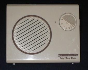 Vintage Radio/AM Radio/Solid State AM Radio/Vintage Solid State/Retro Radio/Table Radio/Americana