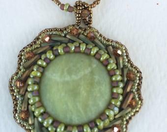 OOAK, bead embroiderd green elegance necklace