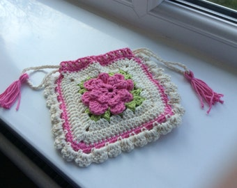 Crocheted evening purse with drawstring closure
