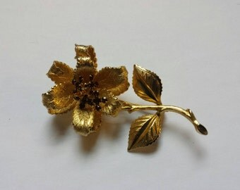 Vintage Gold Tone with amber accents Flower Brooch