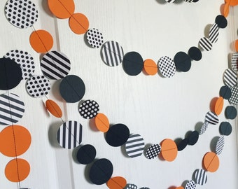 Halloween circle garland