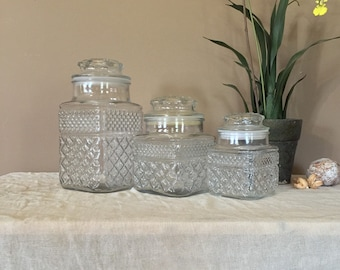 Vintage Canister Set of Three / Canister Set / Countertop Canisters / Wexford Canisters / Clear Canisters / Anchor Hocking Canisters