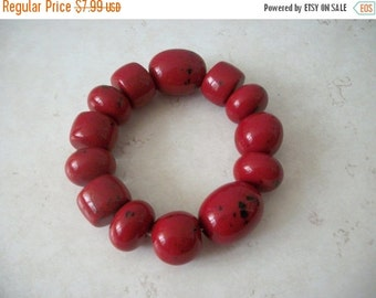 ON SALE Vintage Chunky Cranberry With Black Glass Dipped Bracelet 82016