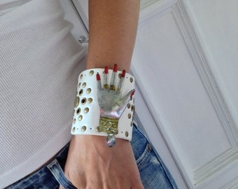 "White Leather Cuff Bracelet ""Manicure"""