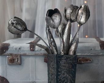 Bouquet Metal Tulip wedding gift flower iron sculpture unusual metal tulip unique flower home decor yard whimsical gift housewarming