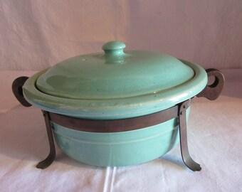 Vintage Bauer Coverd Casserole Dish