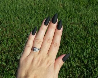 black nails fake nail set